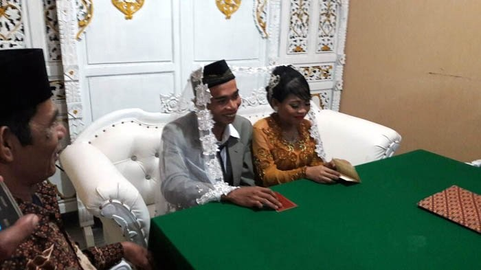 Despite prohibition, couples in West Jakarta tie the knot on Valentine's Day