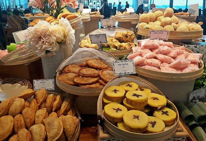 Terminal 3 offers traditional snacks for early-morning passengers