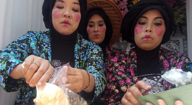 Enjoying legendary 'Jenang' in Surakarta