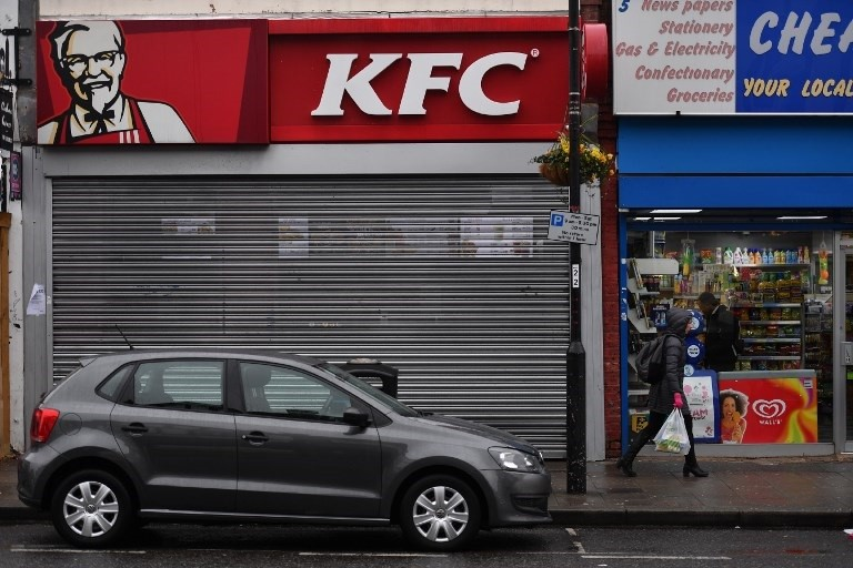 KFC falls fowl in Britain with chicken run