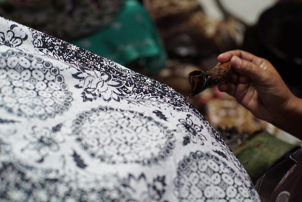 Natural-dyed batik businesses flourishing in Yogyakarta
