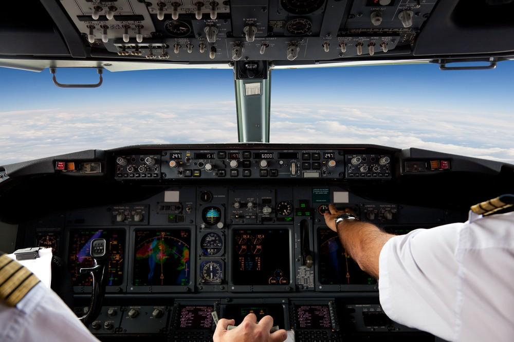Qantas is setting up a pilot-training school