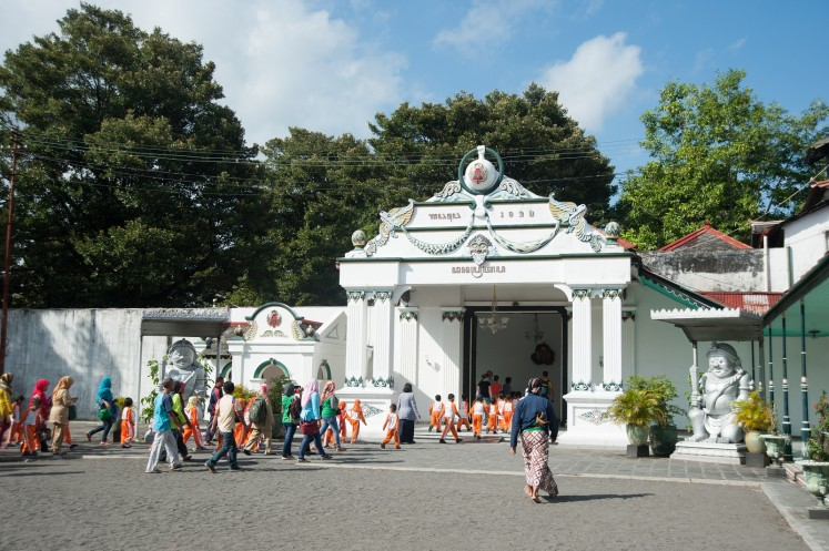 Inspired by ancient kingdoms, self-proclaimed Javanese 'kings' gain followers, money