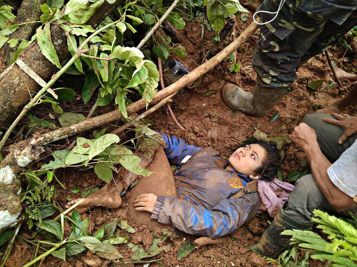 Five feared dead, dozens buried in Brebes landslide