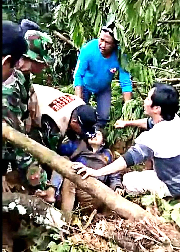 An avalanche of mud and rocks buried dozens of people in Brebes, Central Java, on Thursday.
