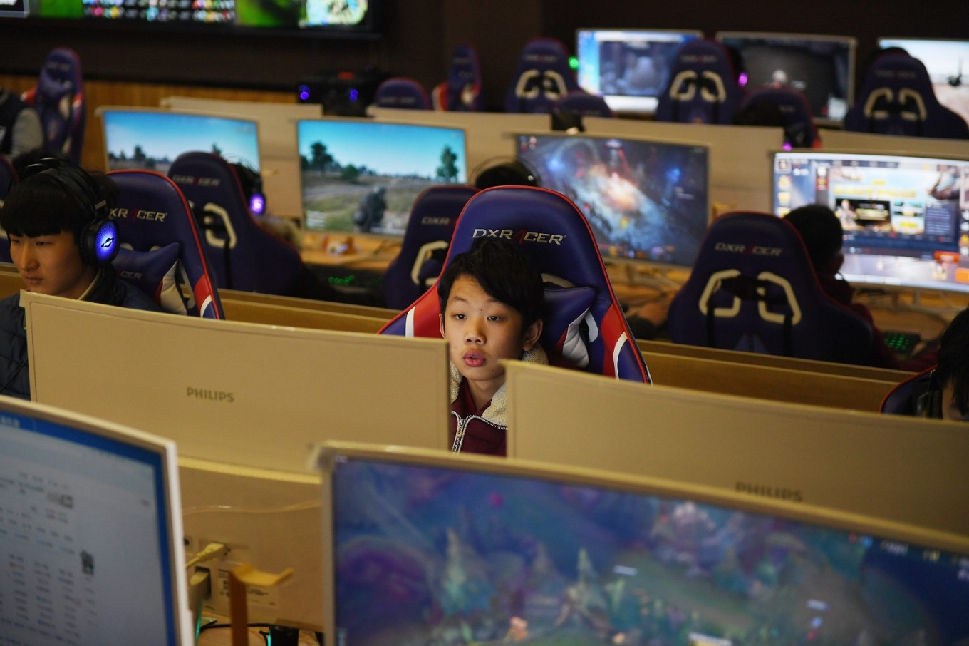 In China's eSport schools students learn it pays to play