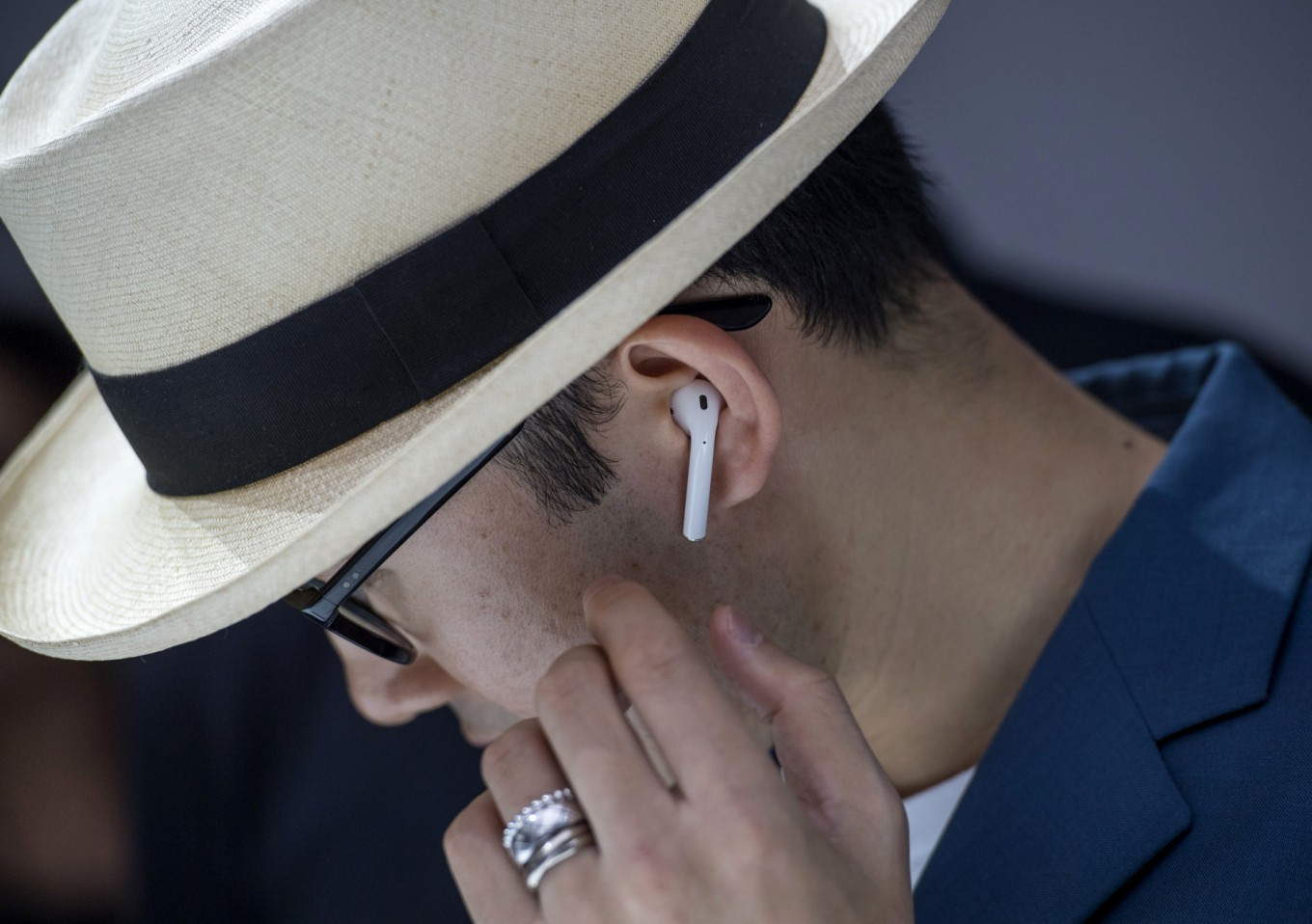 Apple plans upgrades to popular AirPods headphones