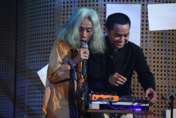 Electronic music and poetry collide in 'Melihat Puisi'