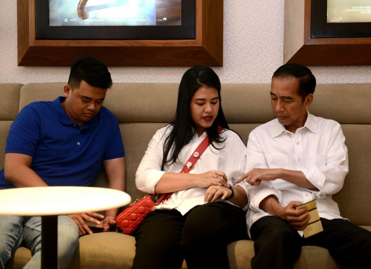 Jokowi, Iriana welcome their second grandchild