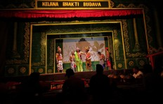 The Kelana Bhakti Budaya ketoprak troupe performs in Yogyakarta every Friday at 9 p.m. JP/Aditya Sagita
