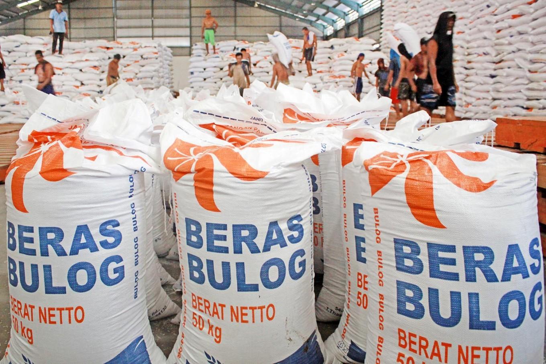 Government overhauls Bulog's top management