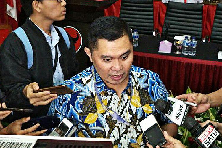 Police uncover provocative issues syndicate