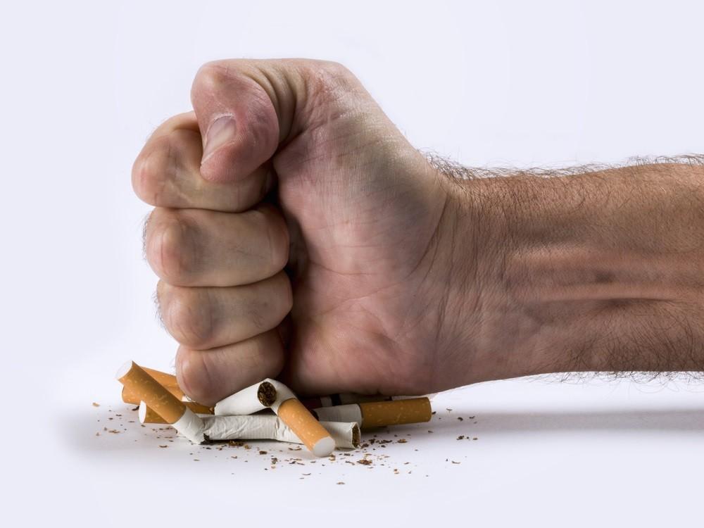 Spanish regions ban smoking over Covid-19 risk