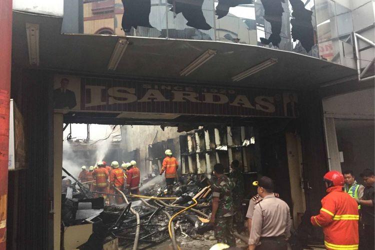 Fire burns down dozens of kiosks at Bandung market