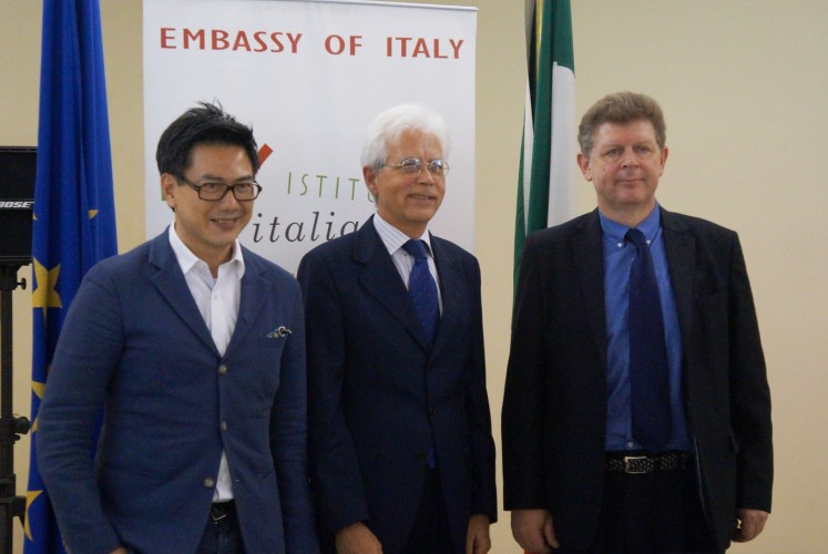Architect Cosmas Gozali, (from left to right) Italian Ambassador to Indonesia Vittorio Sandalli and Ambassador of Design from Italy Alessandro Luigi Colombo during the press conference of the second edition of Italian Design Day on Feb. 28 at the auditorium of the Italian Cultural Institute Jakarta.