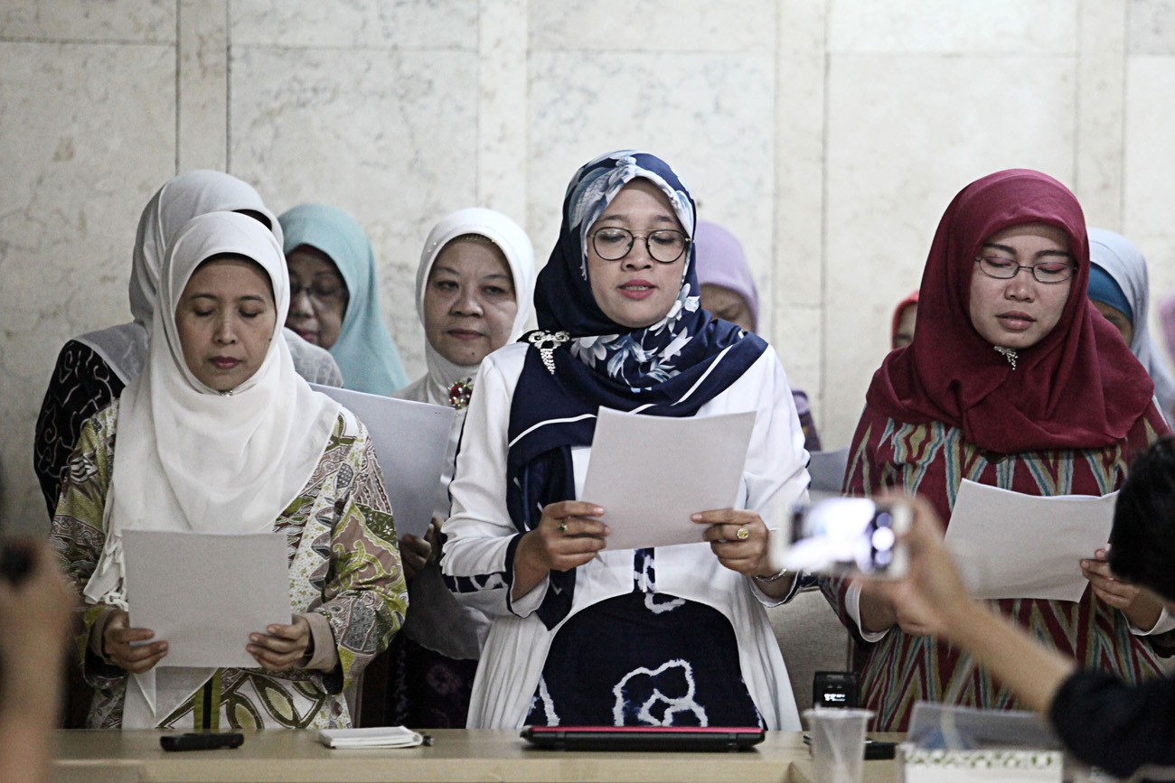 Female Islamic clerics call for unity ahead of elections
