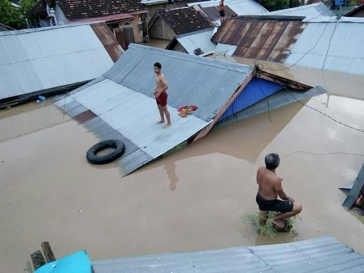 More than 1,000 houses inundated as flash floods hit West Nusa Tenggara