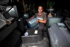 Sugeng opened his TV repair workshop in 1999. JP/Boy T. Harjanto
