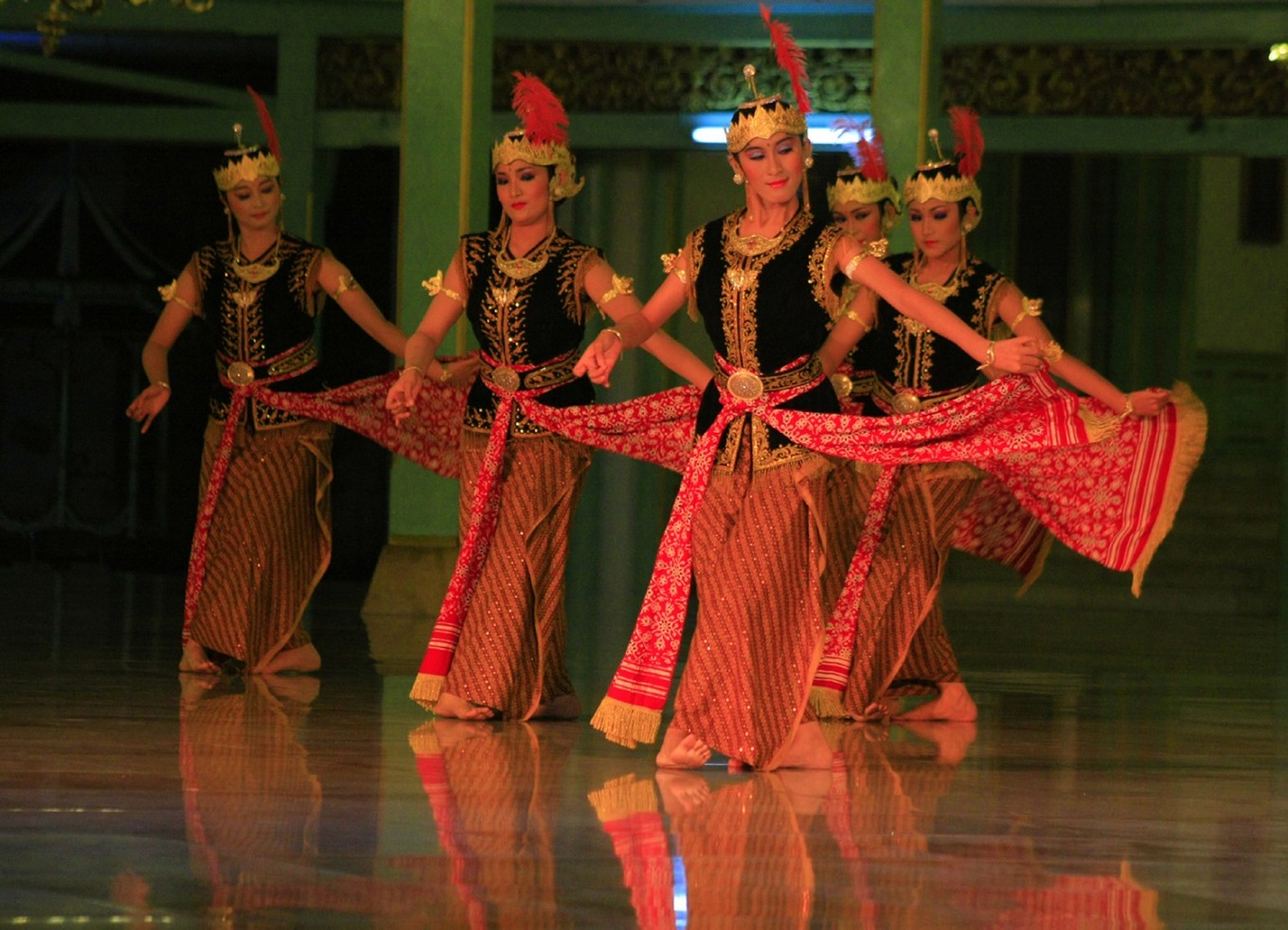 Performing arts festival returns to Surakarta palace