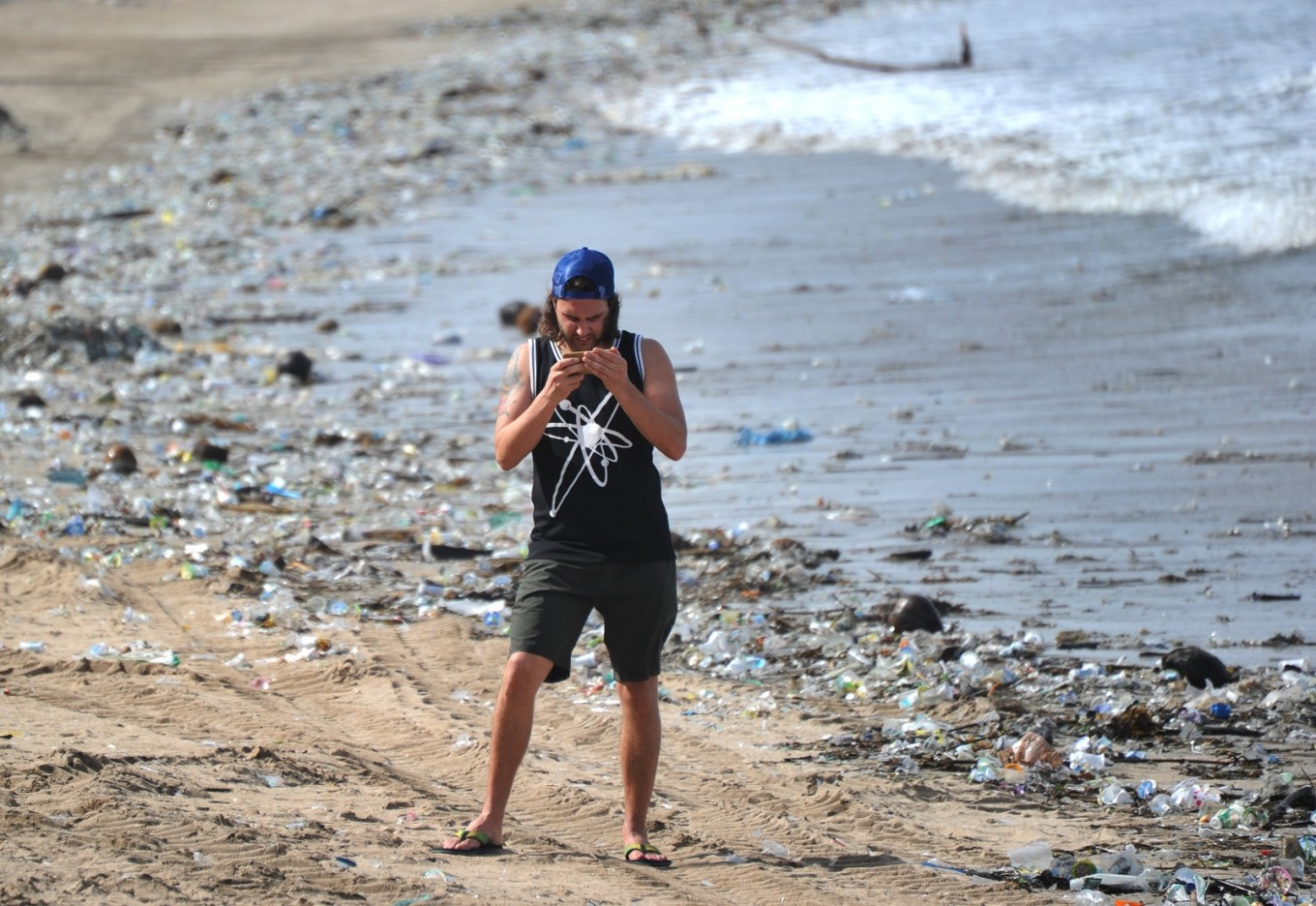 Diver Films Rubbish Wasteland In Bali Waters Environment The