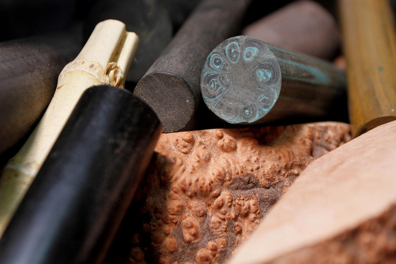 The stem material used for tobacco pipes. JP/Arya Dipa
