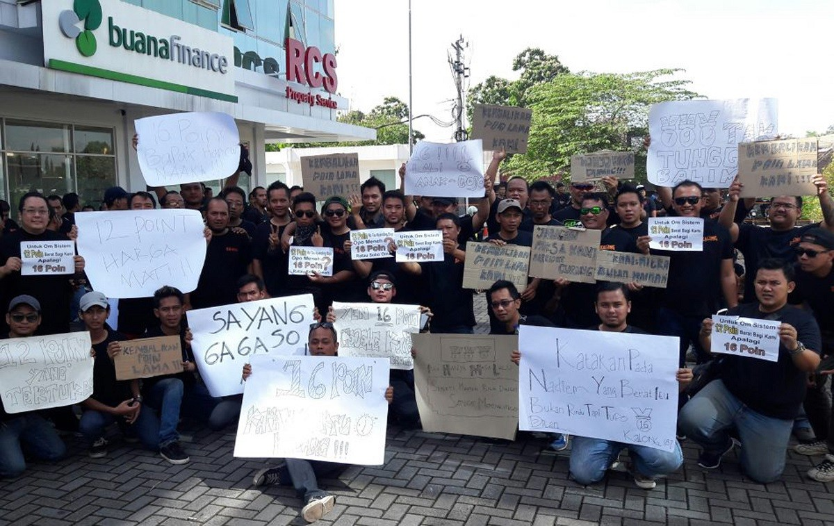 Thousands of Go-Car drivers on strike in Surakarta