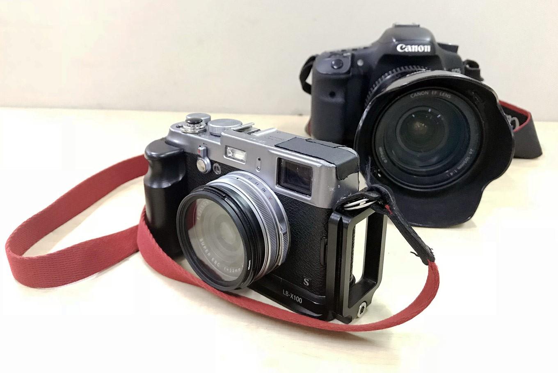 Between DSLR and mirrorless camera