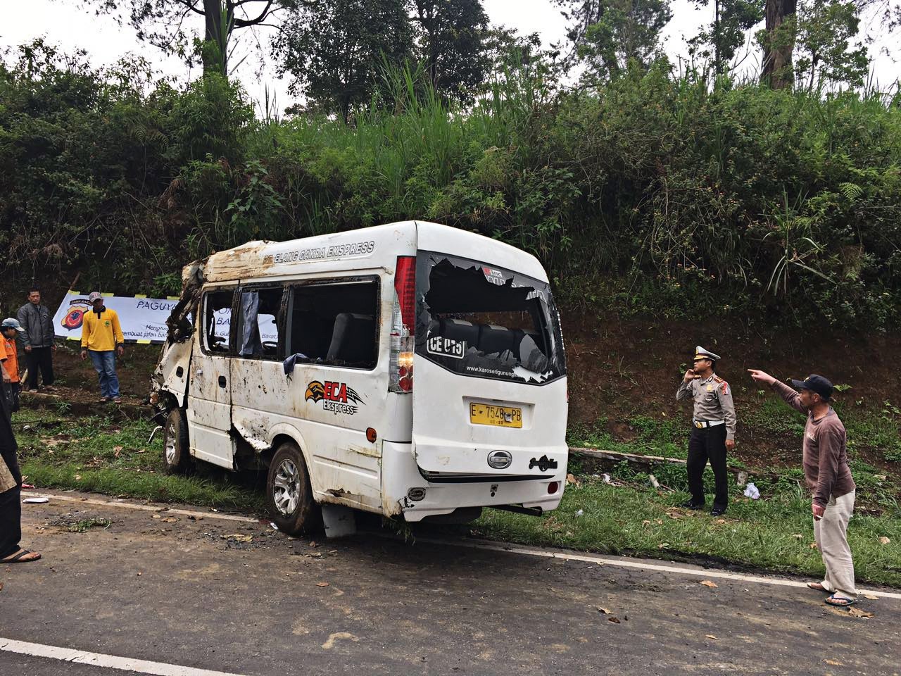 Sixteen injured in traffic accident in West Java - National - The