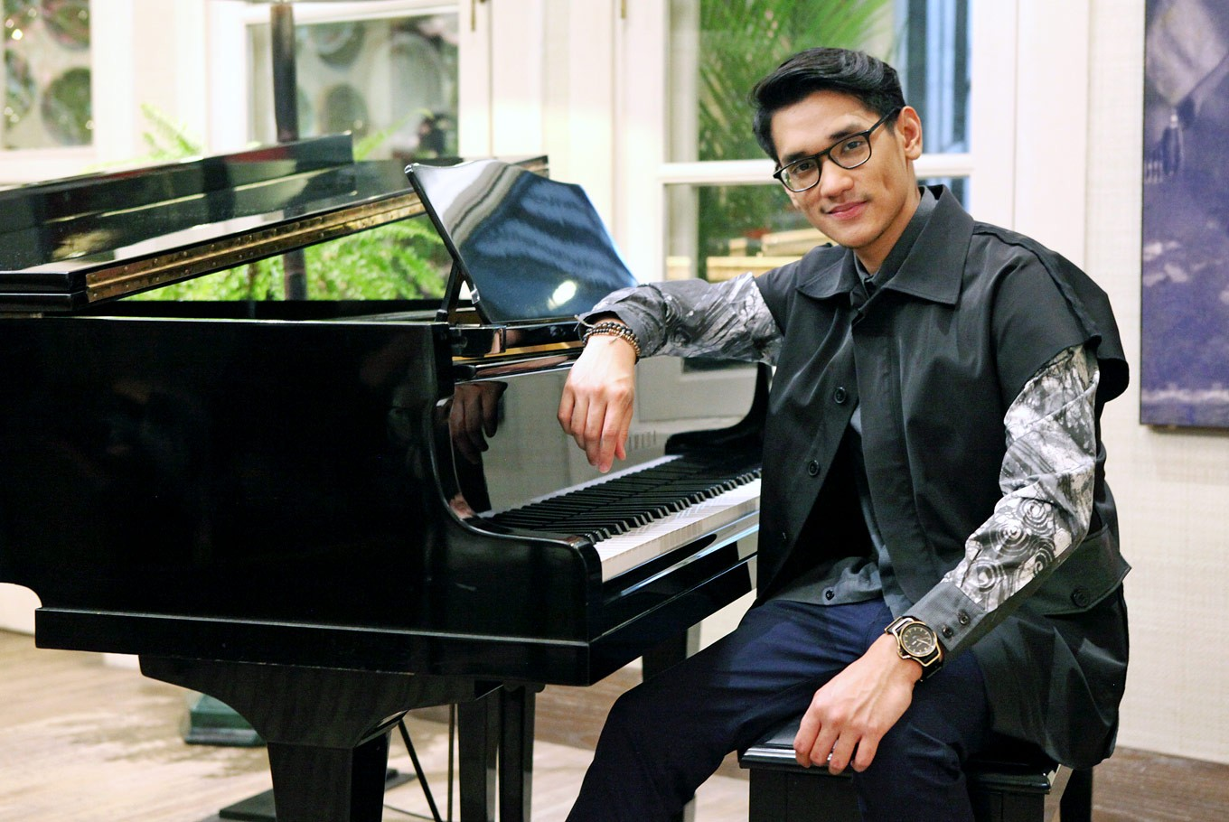 Afgan keeps his crown in pop scene