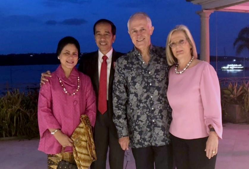 Batik and fish at Jokowi, Turnbull dinner