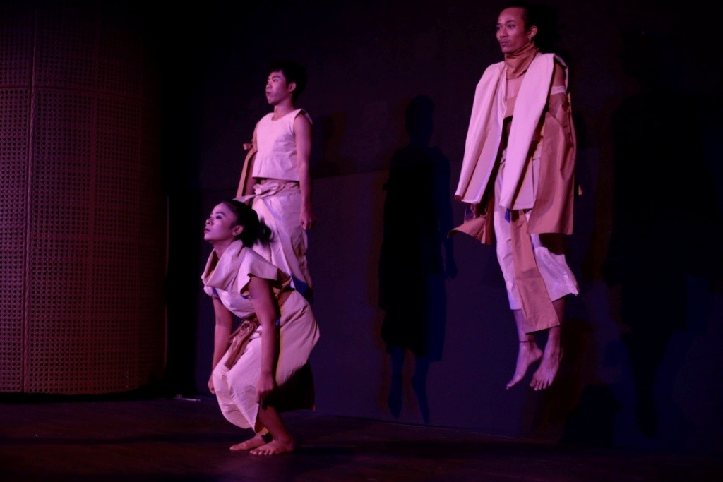 Dance Community Reinterprets Traditional Rituals In Contemporary Show Art Culture The Jakarta Post