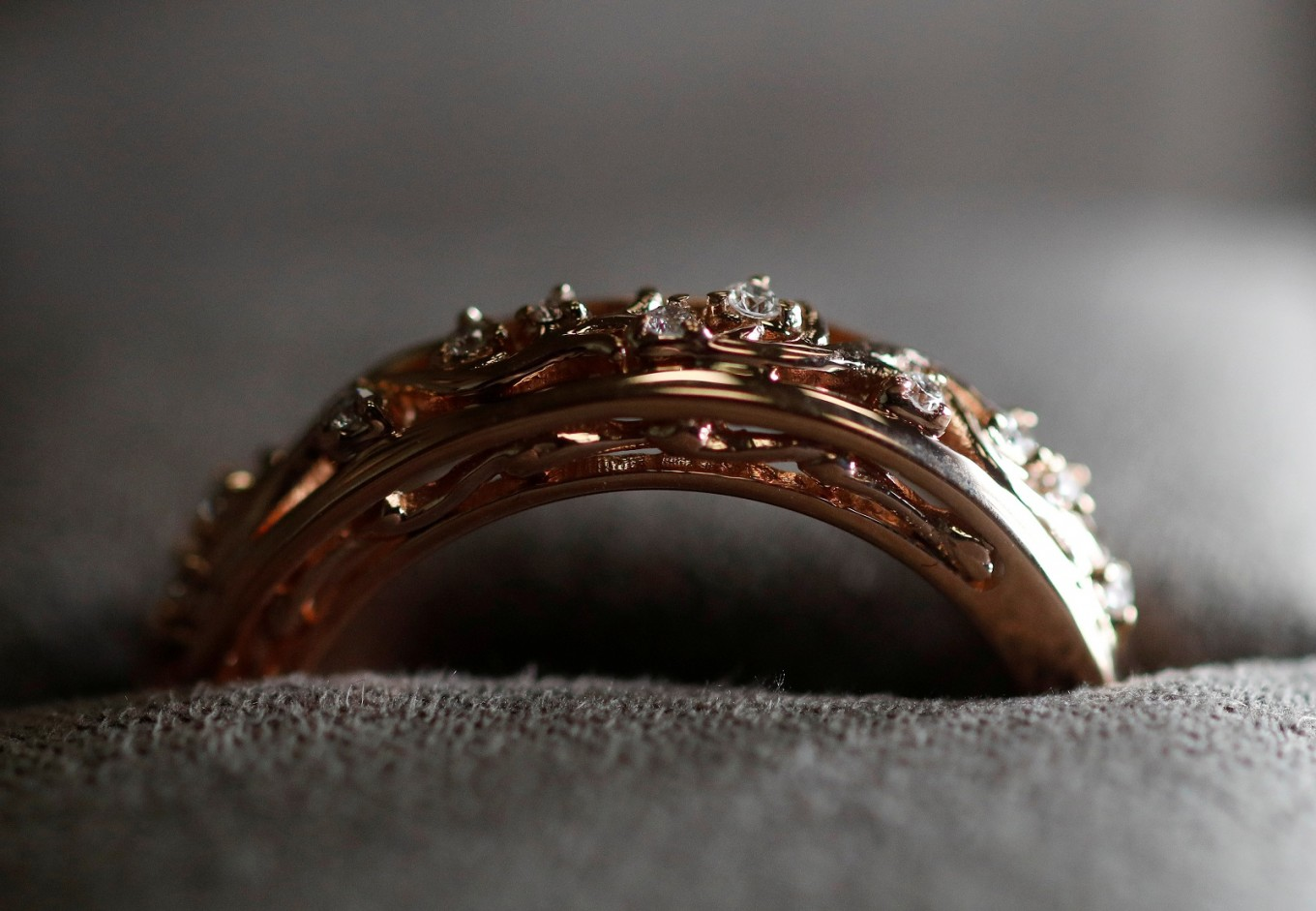 markles wedding ring to follow royal tradition of welsh
