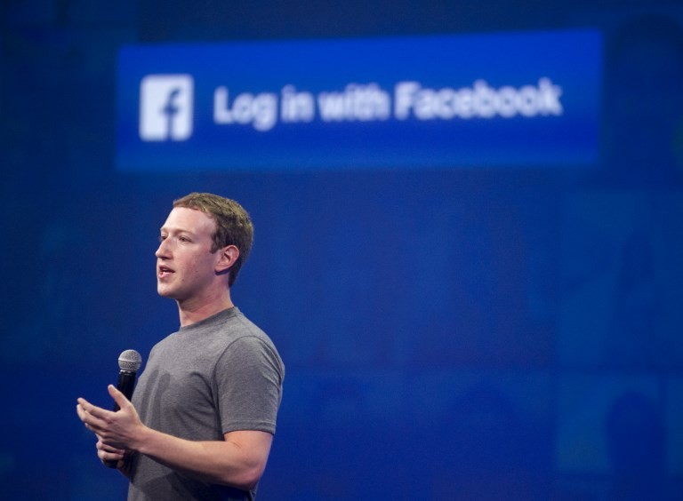 Facebook gets thumbs down for handling of data scandal