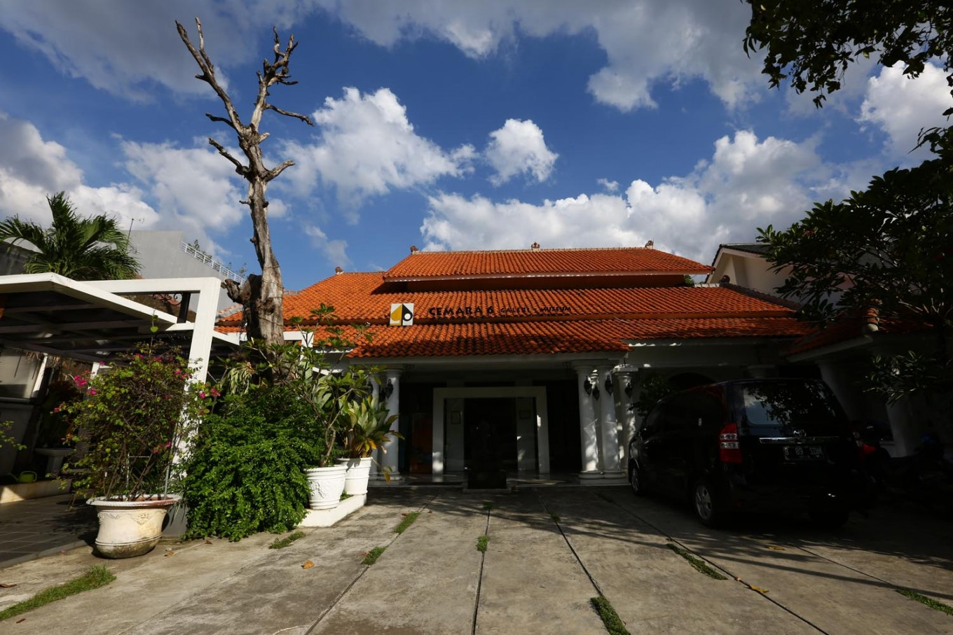 The entrance gate of Cemara 6 Gallery-Museum. The museum houses more than 150 paintings by Indonesian painter Salim.
