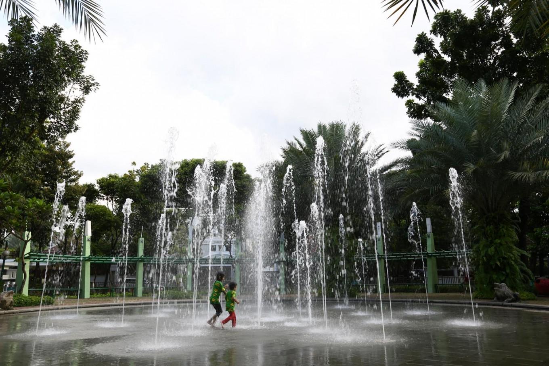 Water fountain at Taman Kodok.