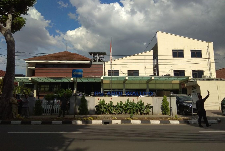 Abdi Waluyo Hospital at Jl. HOS Cokroaminoto