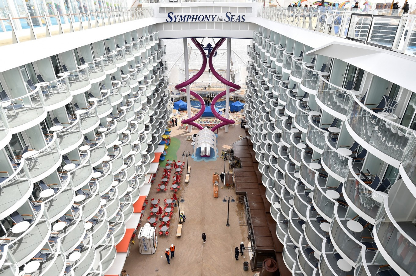 Royal Caribbean picks up world's largest cruise ship
