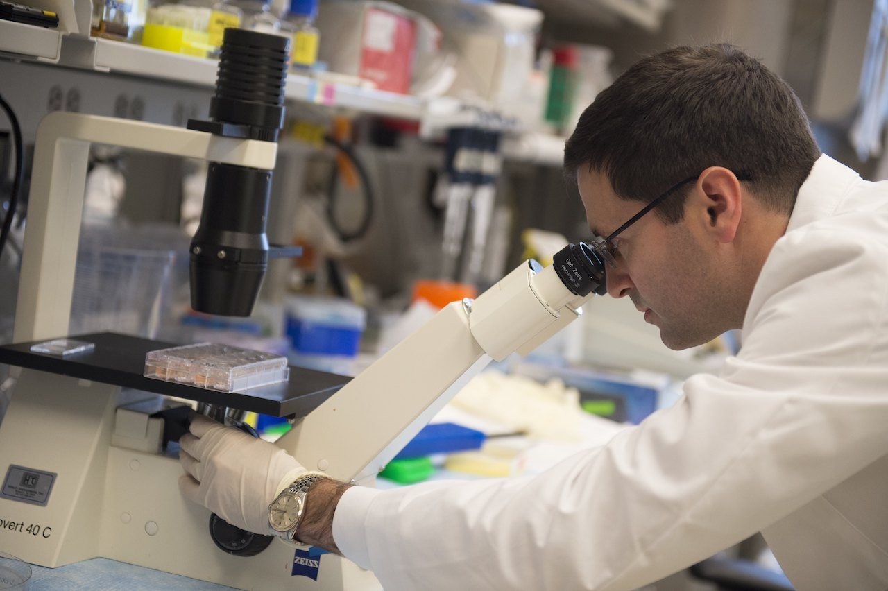 Doctor's own diagnosis drives quest for a cancer cure