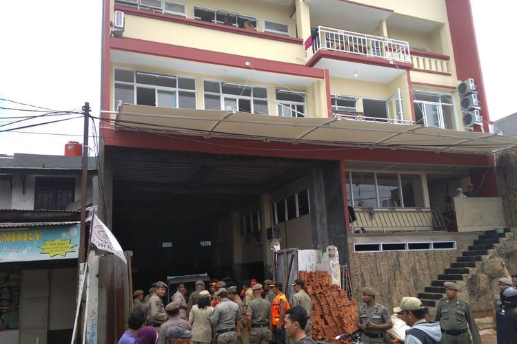 West Jakarta finds violations at more than 500 buildings