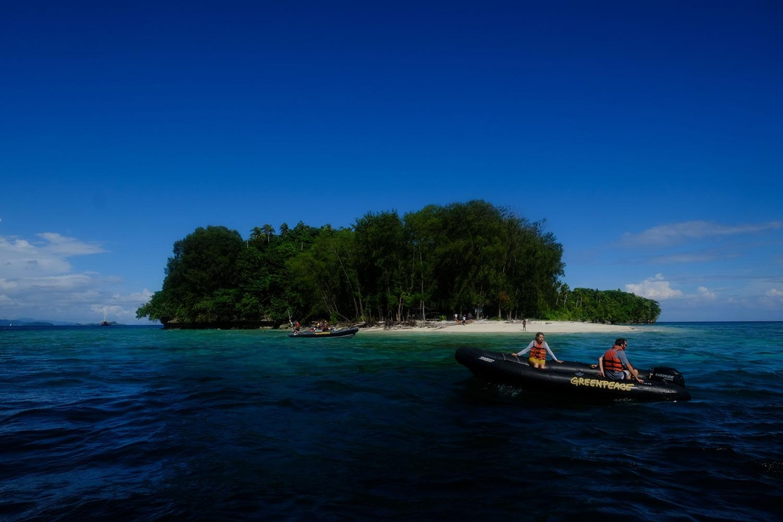 To shote: The ship's captain Hettie Geenen, heads to one of the Islands at Raja Ampat. JP/Jerry Adiguna