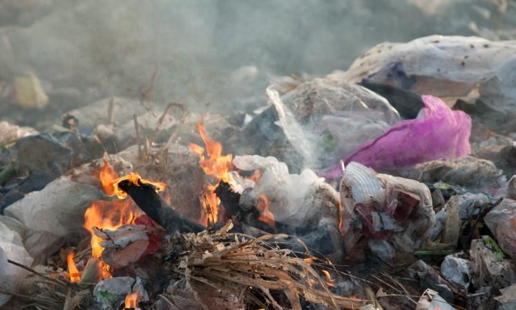 Burning Plastic Waste Harmful To Health Health The Jakarta Post