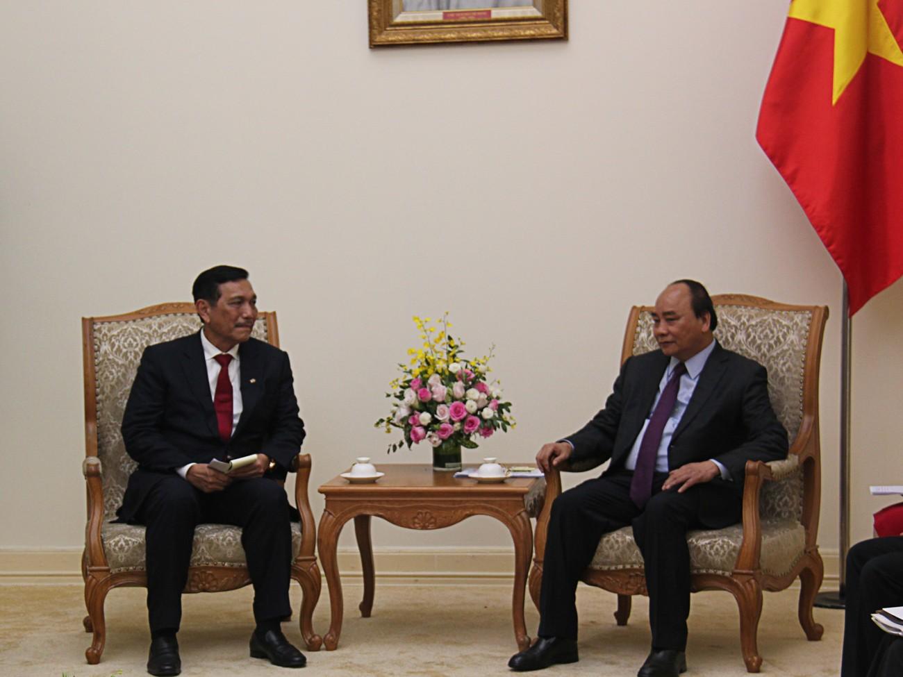 Jokowi invites Vietnamese PM to ASEAN gathering