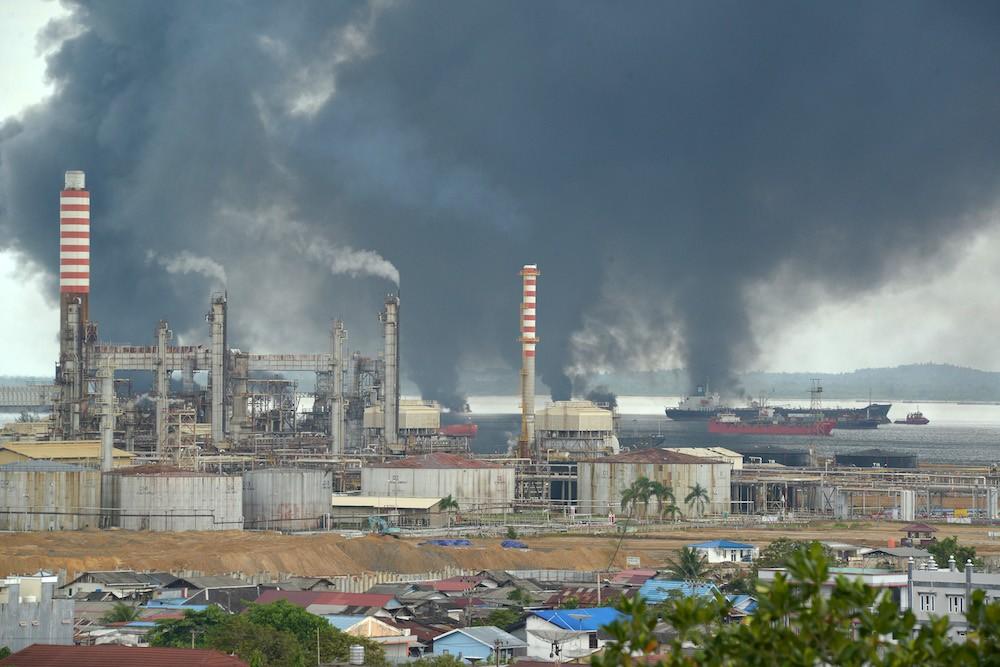 Balikpapan declares emergency status after oil spill