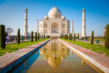 Pollution turns India's white marble Taj Mahal yellow and green