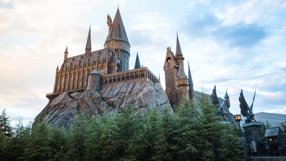 This Harry Potter-inspired bar lets you brew your own drink and take 'potions classes'