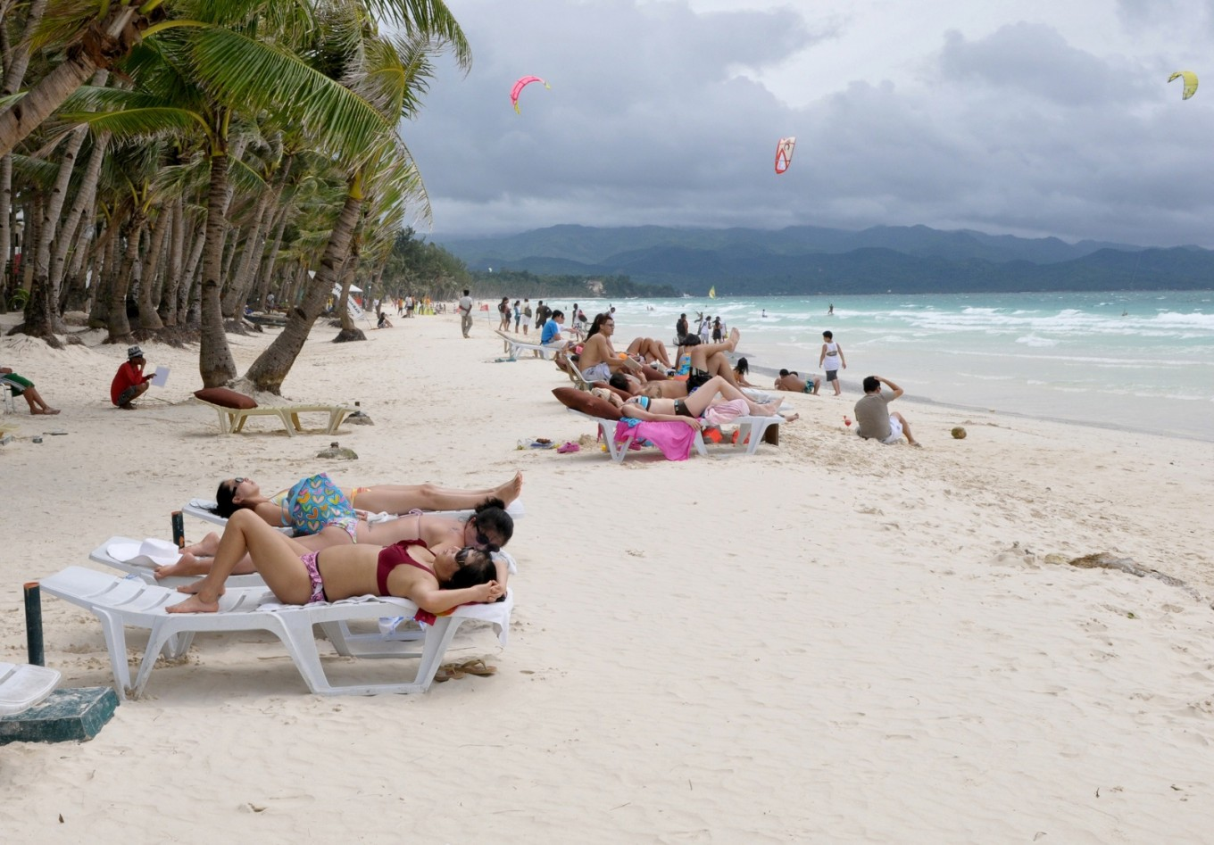 Expert suggests beach vacations could increase stress
