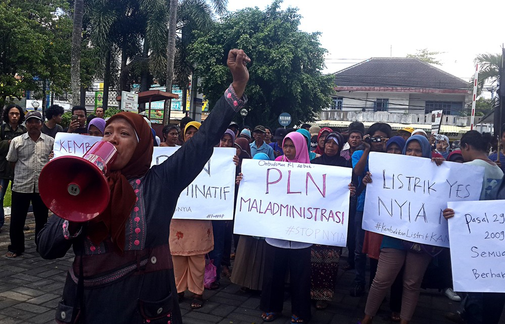 Residents occupy PLN office in fight against new Yogyakarta airport