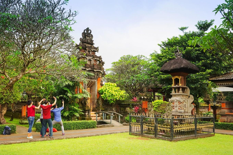 Millennials Love Experiences Tourism Minister Says News