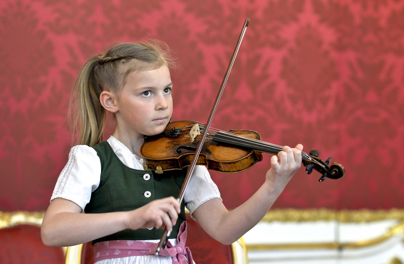 Mozart's childhood violin heads to China