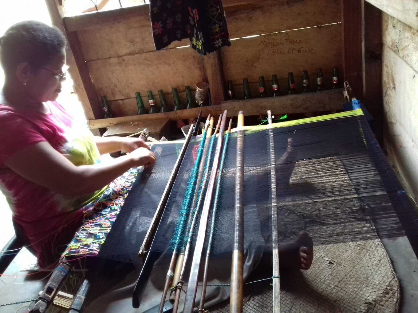 Weaving to preserve heritage, make ends meet